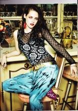 20121001-Vogue(British)-Parution-02